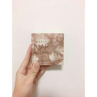 URBAN DECAY Illuminated Shimmer Powder