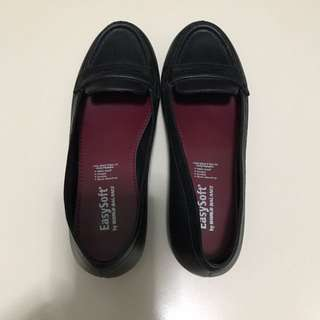 Easy Soft Shoes