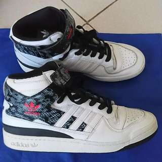 Orig Adidas Shoes! Size 9.5 To 10