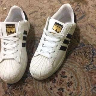 Adidas Superstar !