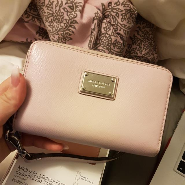 Authentic Michael Kors Zip Wallet $45