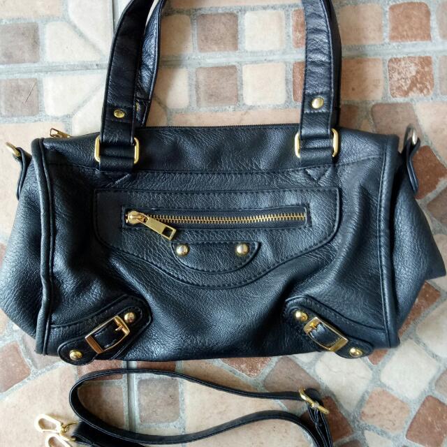 Black soft leather 2 way bag