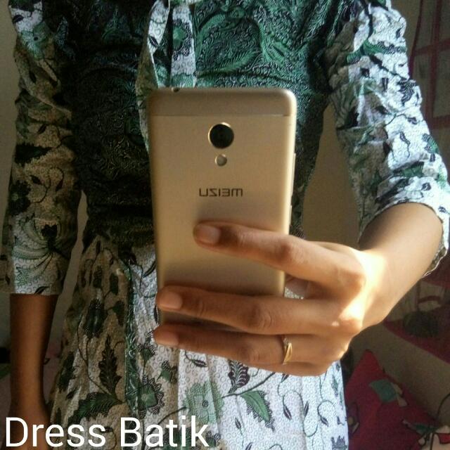 Dress batik Atas Lutut