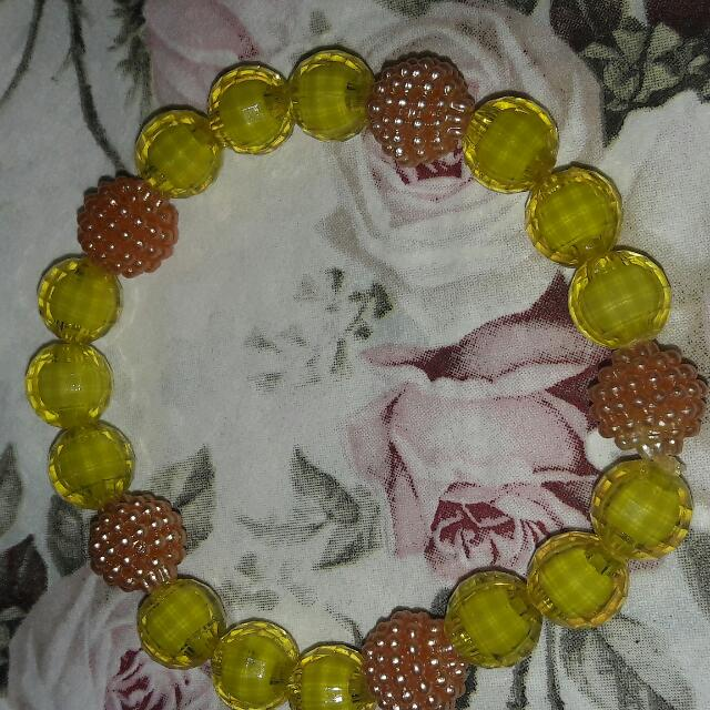 Gelang Kuning