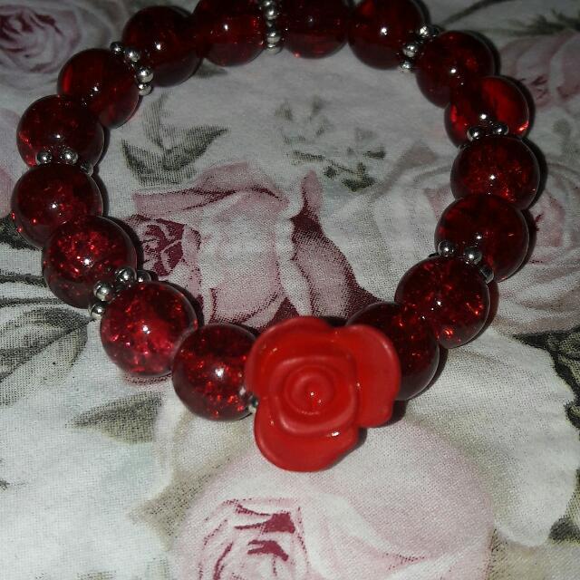 Gelang Mawar Merah