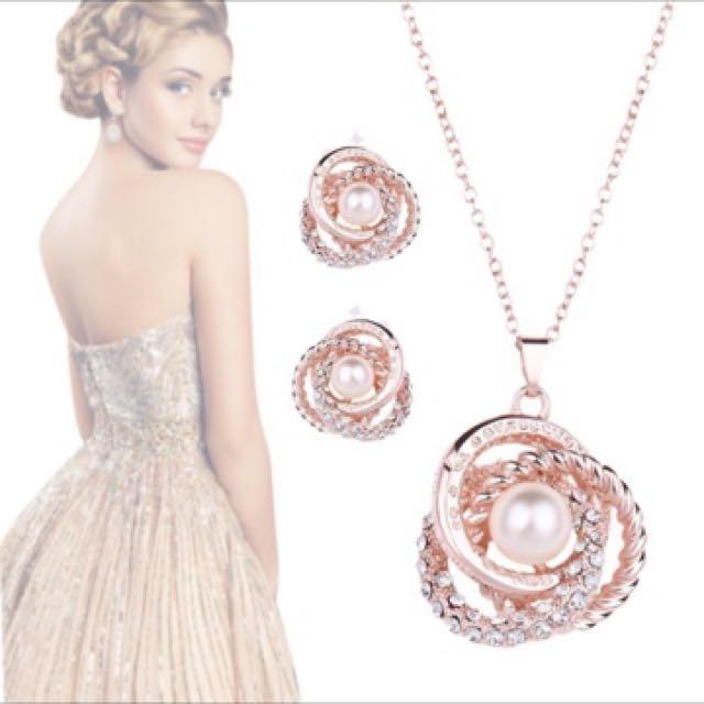 Gold Plated  Pendant Dangle Jewelry.
