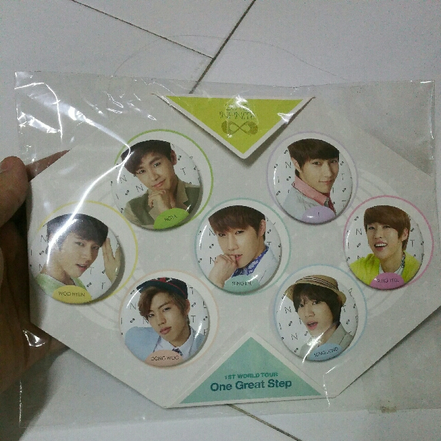 INFINITE One Great Step Button Set