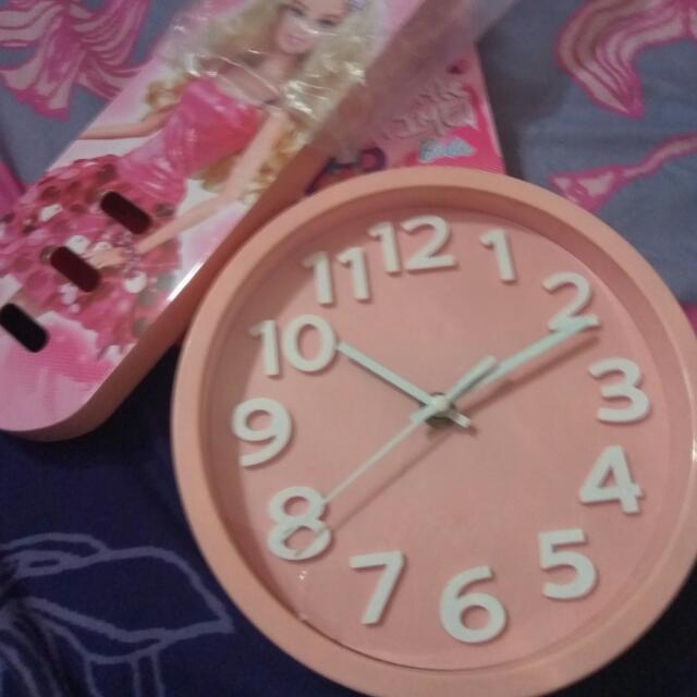 Jam Dinding Mainan
