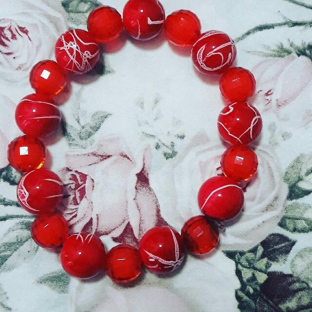 Merah Kombinasi