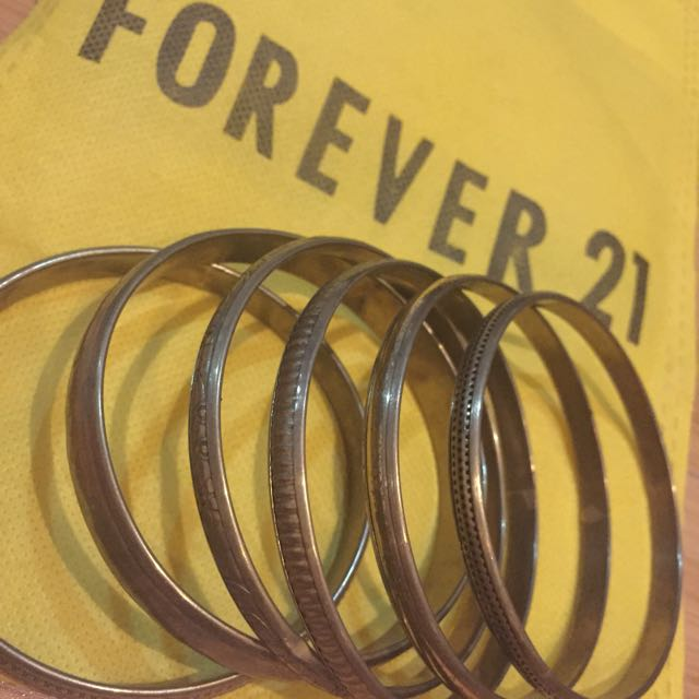 NEW F21 Vintage Looking Bangles Set