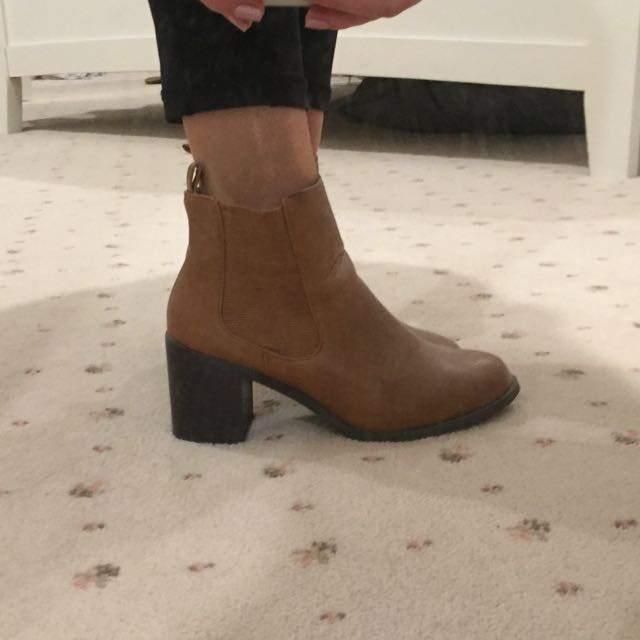 RUBI BROWN BOOTS - SIZE 36