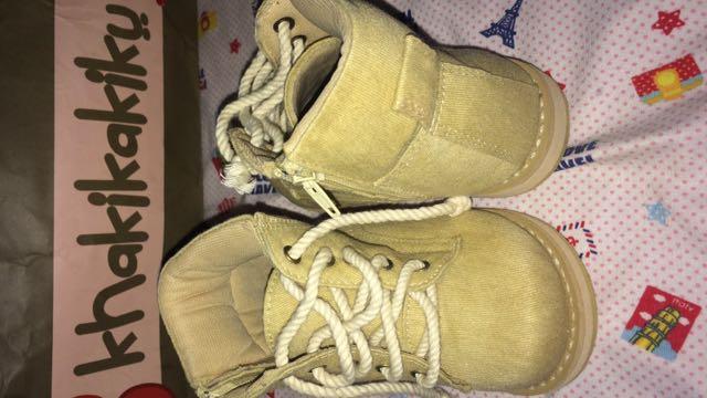 Sepatu Boots Khakikakiku