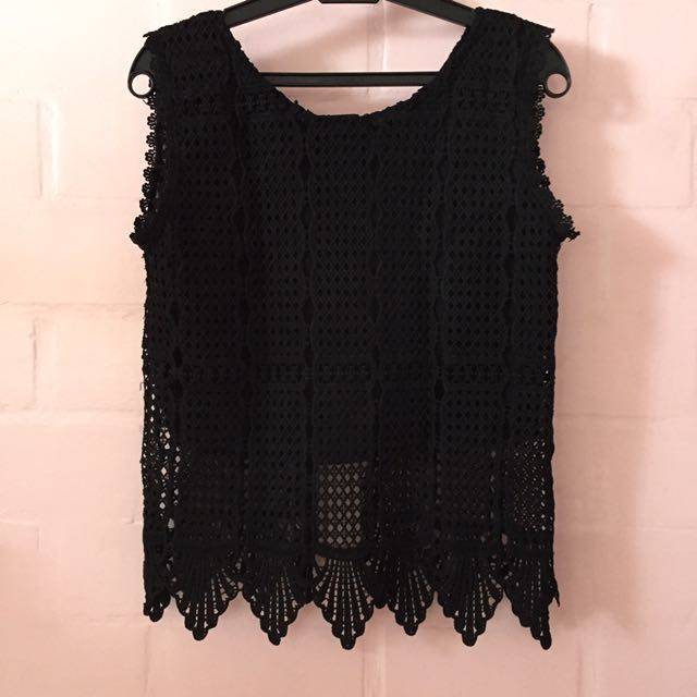 Sleeveless Black Knitted Top
