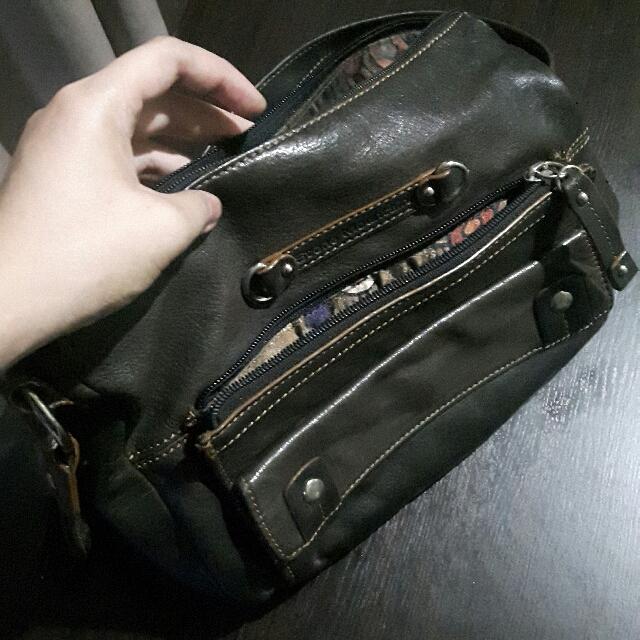 Stone Mountain Adjustable Shoulder Bag