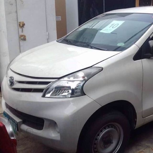 Toyota Avanza 2013 white