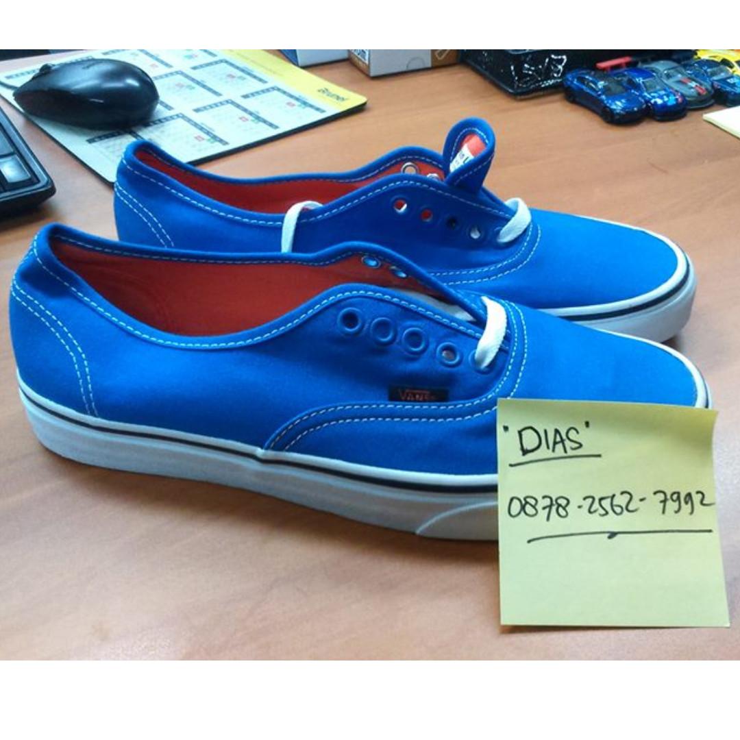 b24c557edca Vans Authentic (Pop) Strong Blue Nasturtium
