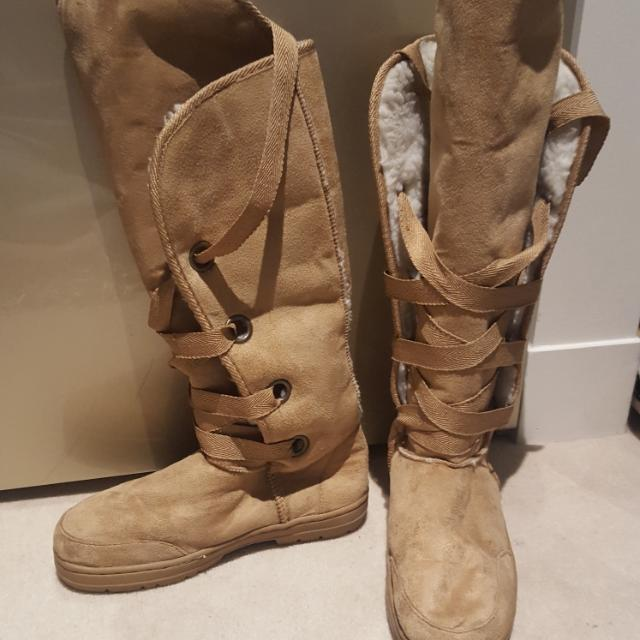 Womens Winter Boots Size 8