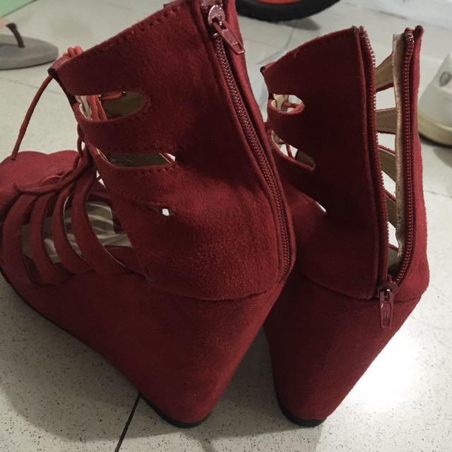 Zanea Wedge Heels Bloody Red 6