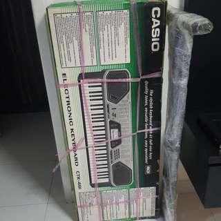 Casio electronic keyboard         (Price nego)