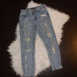 Forever 21 Light wash Distressed Boyfriend Jeans