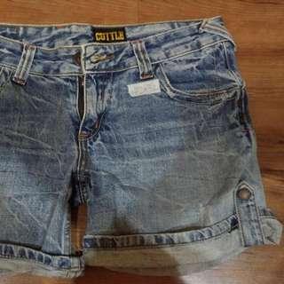 二手牛仔短褲 反折 扣環 女生 尺碼XL