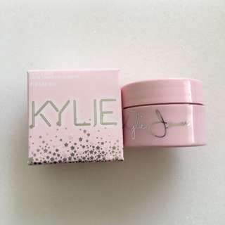 Kylie Cosmetic Queen Ultra Glow