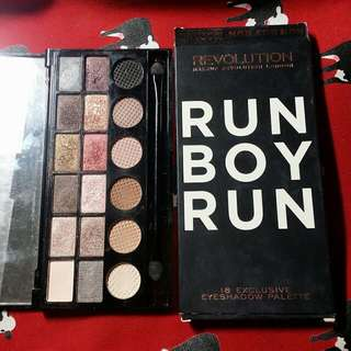 Makeup Revolution-Run Boy Run 18色眼影盤