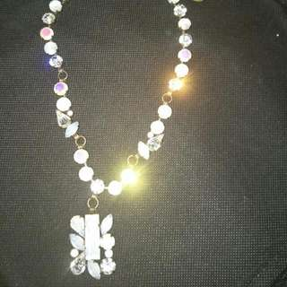 White Crystal Style Necklace