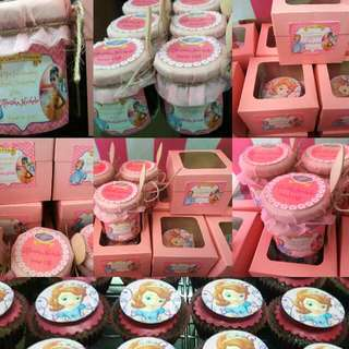 Cupcakes And Cake In A Jar