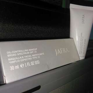 JAFRA Oil Controling Makeup Broad Spectrum SPF 15