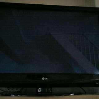 "LG 35"" TV"
