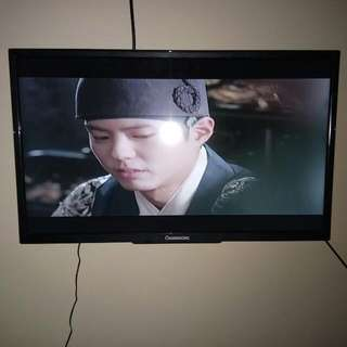"CHANGCHONG TV 24"" W/ BRACKET"