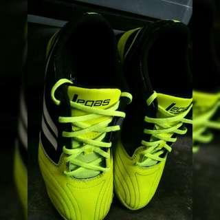 Sepatu Futsal
