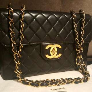 chanel vintage jumbo in oversized 24k gold hardware