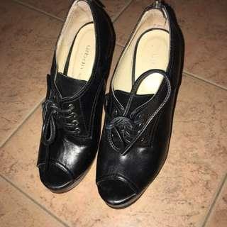Leather High Hesls