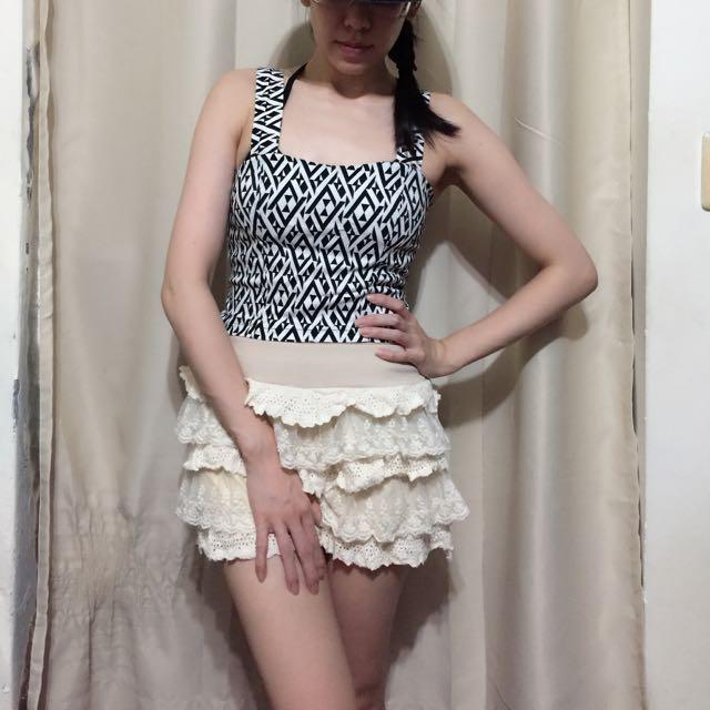 米色蕾絲蛋糕褲裙