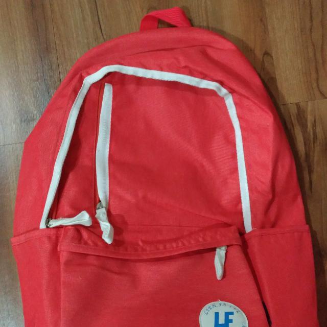 橘紅色後背筆電包 大容量 中性