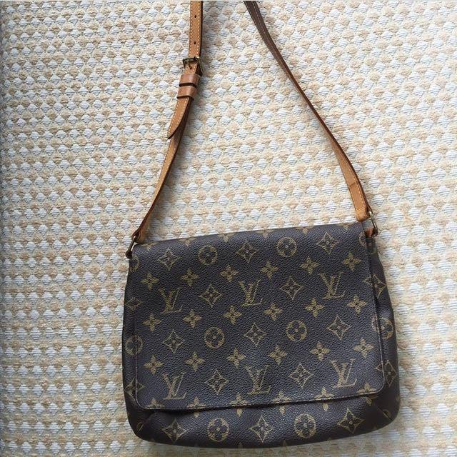 2ff2db9a084b Authentic Louis Vuitton Musette Tango