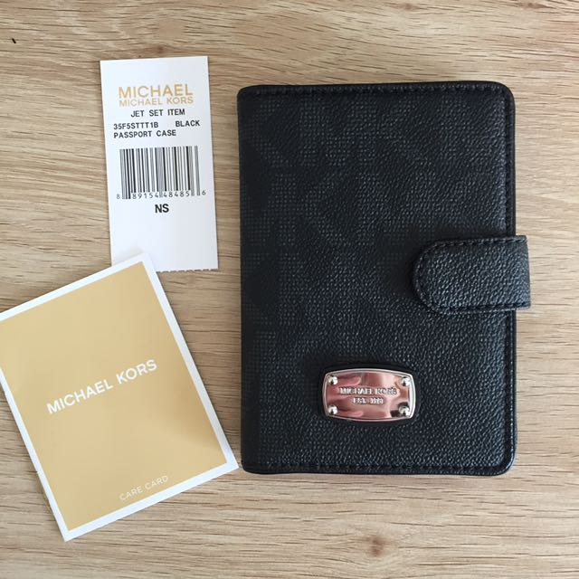 AUTHENTIC MICHAEL KORS JET SET TRAVEL PASSPORT CASE