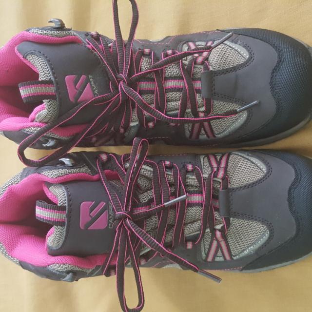 CAMPRI SEGUDA HIKING/WALKING BOOTS