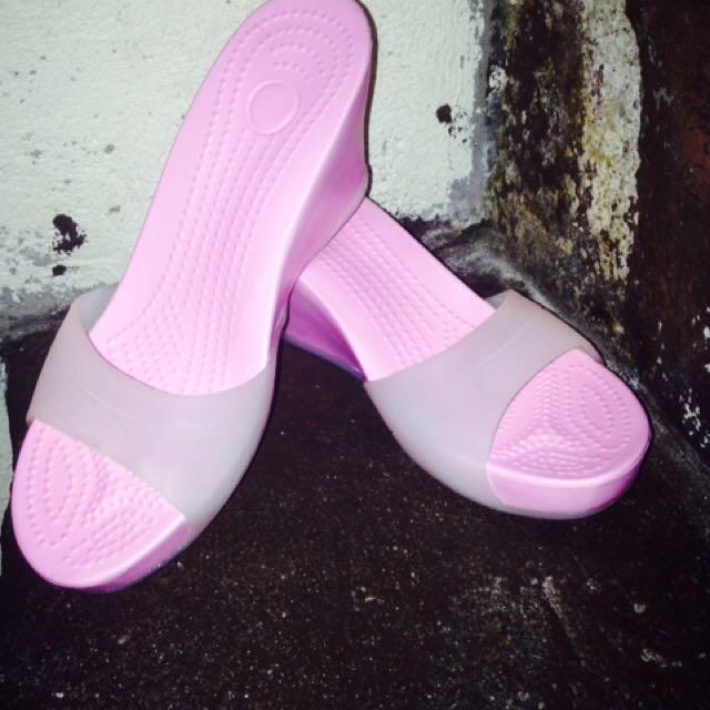 Crocs Class A
