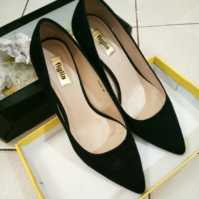 Figlia Black Suede Pointed Heels
