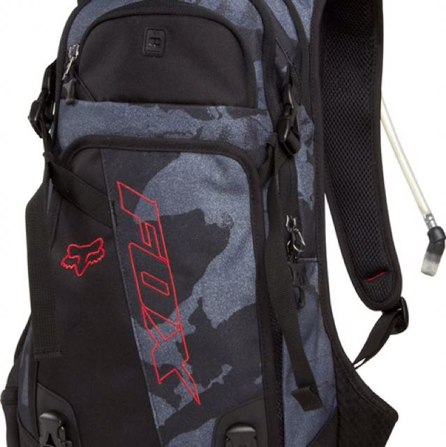 47ff2445dfba FOX OASIS HYDRATION PACK (Grey Camo) 2014, Sports, Sports & Games ...