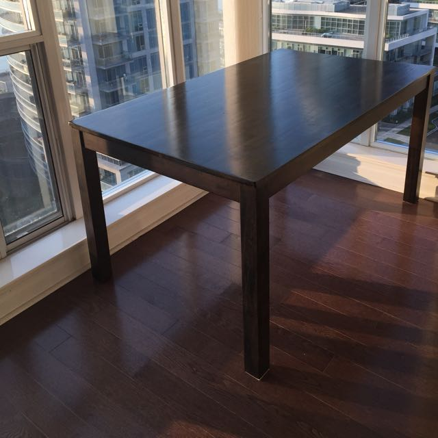 Good Condition Wood Table Suitable For 6 $120