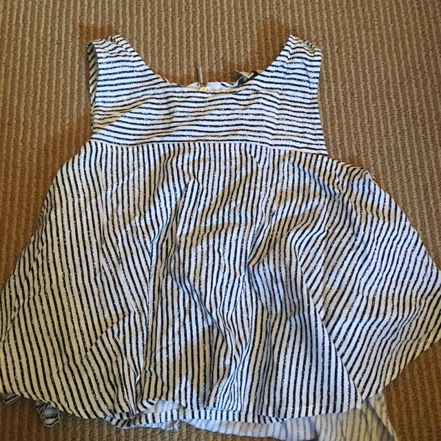 Guess Cropped Shirt