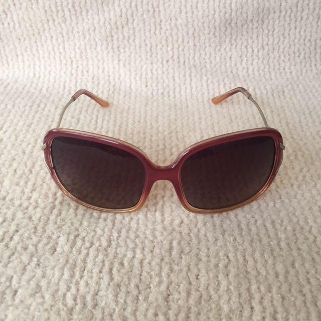Guess Sunglass