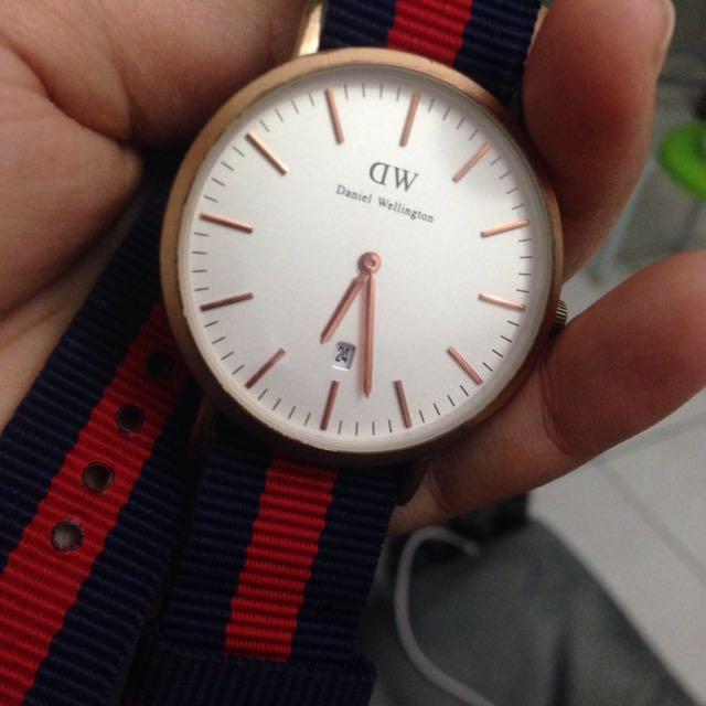 jam tangan DW