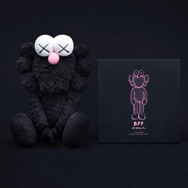 Kaws BFF 暗黑版娃娃