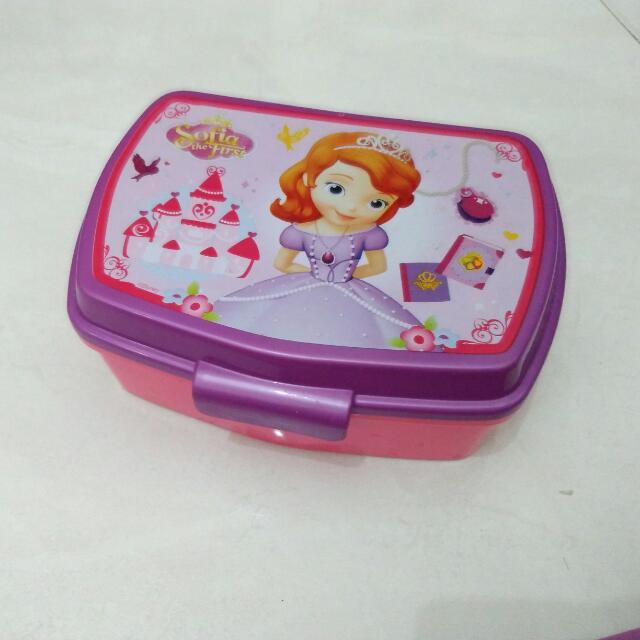 Kotak Makan Sofia