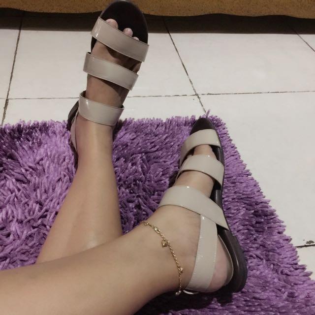 Like New Sepatu Sandal Elizabeth